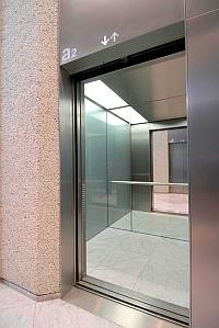 лифт с машинным помещением