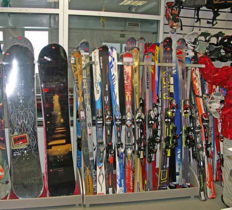Где в СПб взять на прокат сноуборд или горные лыжи?