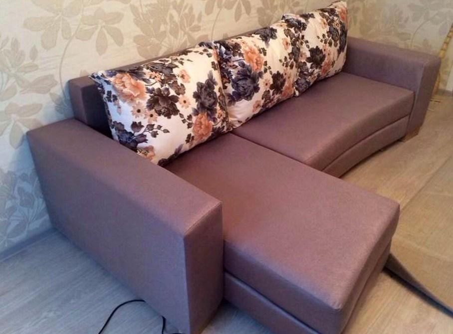 Зачем нужна обивка мебели?